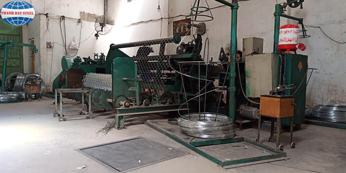 Máy sản xuất lưới B40 mạ kẽm